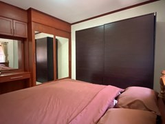 House for rent East Pattaya showing the second bedroom with wardrobes