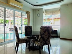 House for sale East Pattaya showing the dining area