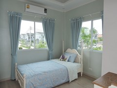 House for sale Pattaya Winston Village showing the second bedroom
