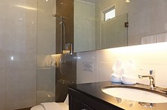 House for sale East Jomtien showing the second bathroom
