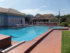 House for rent East Pattaya showing the communal swimming pool and house