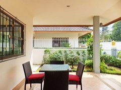House for sale East Pattaya showing the covered terrace and garden