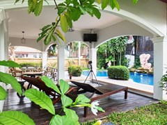 House for sale East Pattaya showing the terrace