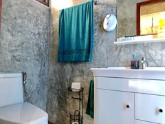 House for sale East Pattaya showing the fourth bathroom