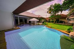 House for sale East Pattaya showing the private pool and house