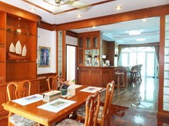 House for Sale Mabprachan Pattaya showing the dining, kitchen and laundry room
