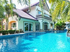 House for Sale Mabprachan Pattaya showing the house and pool