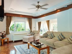 House for Sale Mabprachan Pattaya showing the first living area