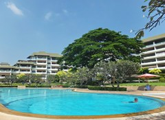 House for sale Na Jomtien showing the communal swimming pool