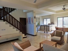 House for sale Na Jomtien showing the living area