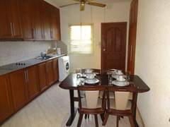 House for Rent Pratumnak Hill showing the dining kitchen