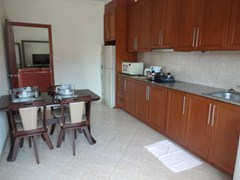 House for Rent Pratumnak Hill showing the kitchen