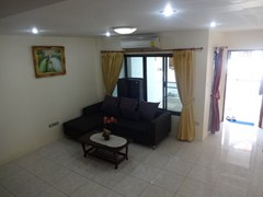 House for rent Pratumnak Pattaya showing the living area