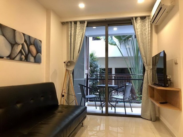 Condominium for sale Pratumnak Hill Pattaya showing the living room