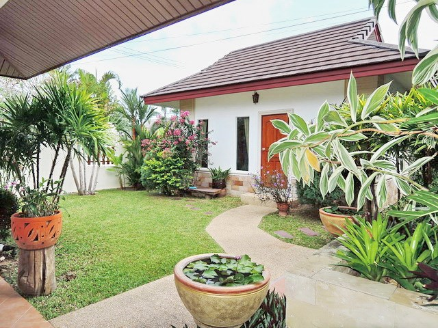 House for rent East Pattaya showing the guest suite