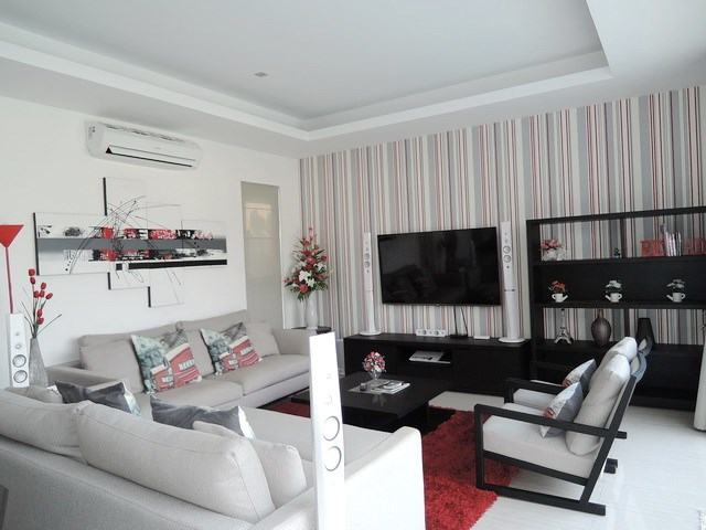 House for rent Amaya Hill Pattaya showing the living area