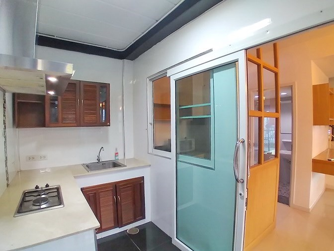 House for rent East Pattaya showing the kitchen area