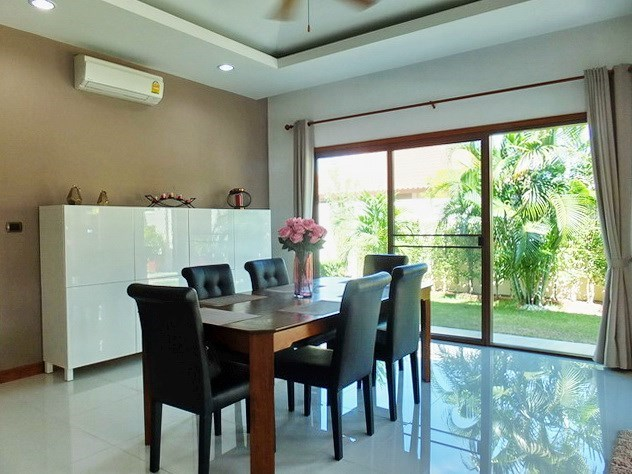House For Sale Huay Yai Pattaya showing the dining area