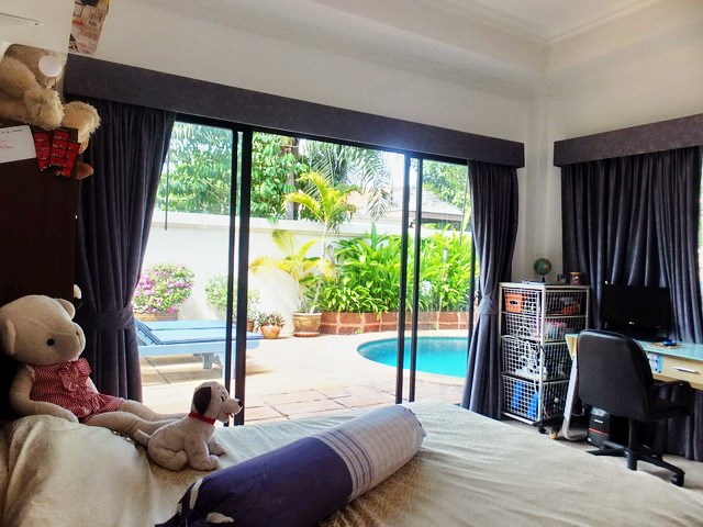 House for sale Jomtien showing the second bedroom and office area