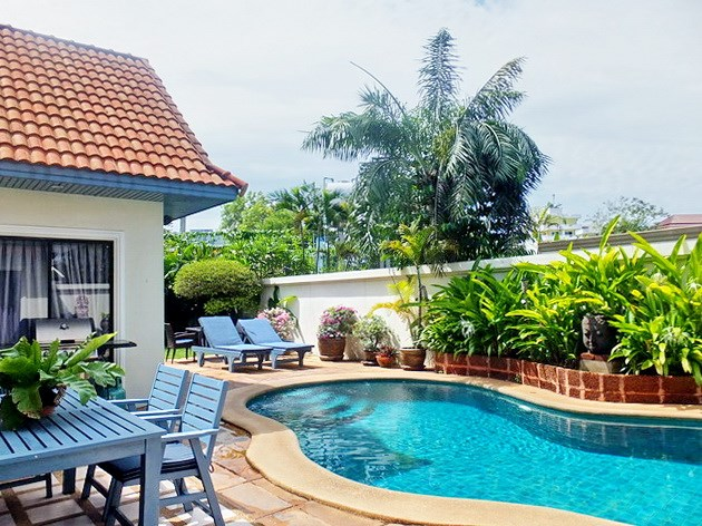 House for sale Jomtien showing the private swimming pool