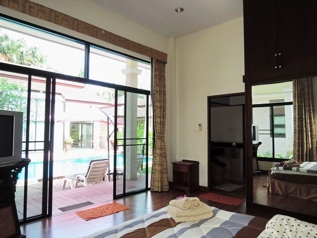 House for sale Pattaya showing the second bedroom poolside
