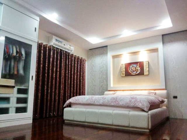 House for sale Huay Yai Pattaya showing the bedroom