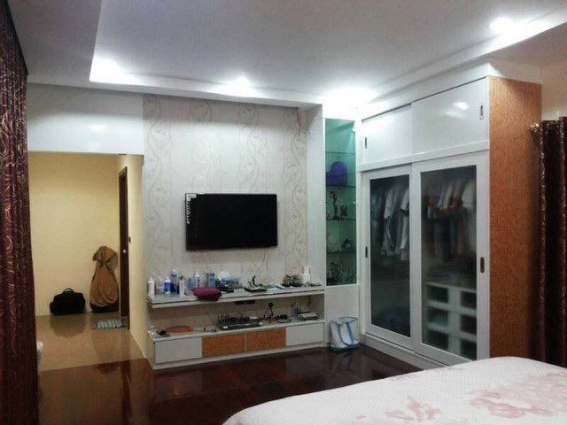 House for sale Huay Yai Pattaya showing the bedroom suite