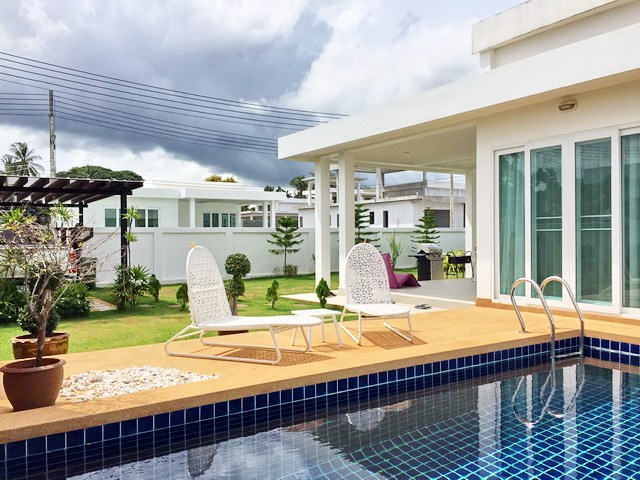 House for Sale Silverlake Pattaya showing the house and pool
