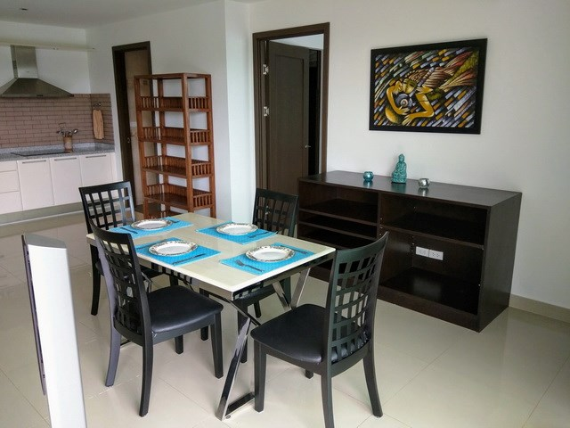 Condominium for rent Jomtien showing the dining area