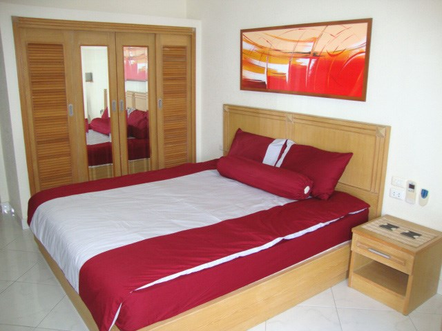 Condominium for rent Jomtien VIEW TALAY 2B showing the sleeping area