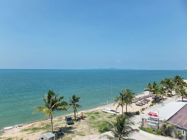 Condominium for sale Na Jomtien showing the view