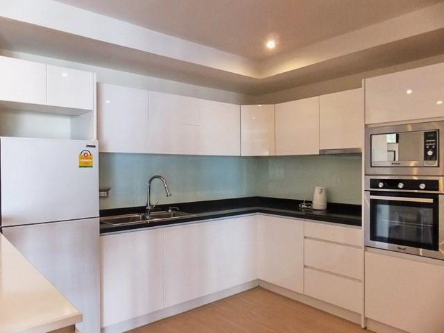 Condominium For Sale Pratumnak Hill Pattaya Condominium