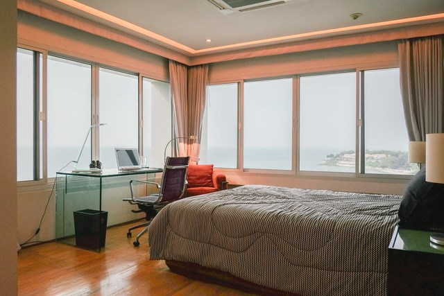 Condominium for sale Pratumnak Hill showing the second bedroom