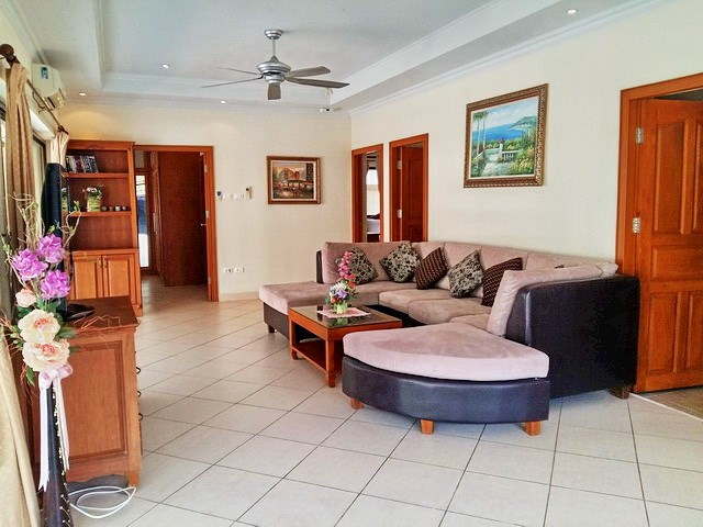 House for rent Jomtien Pattaya showing the living area