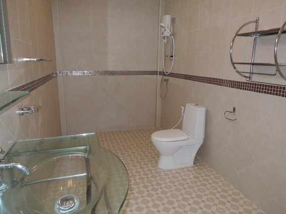 House for rent East Pattaya showing the bathroom