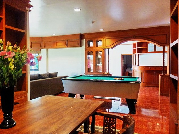 House for rent East Pattaya showing the dining and entertainment areas