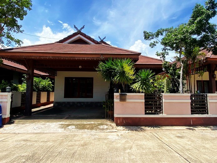 House for rent East Pattaya showing the house
