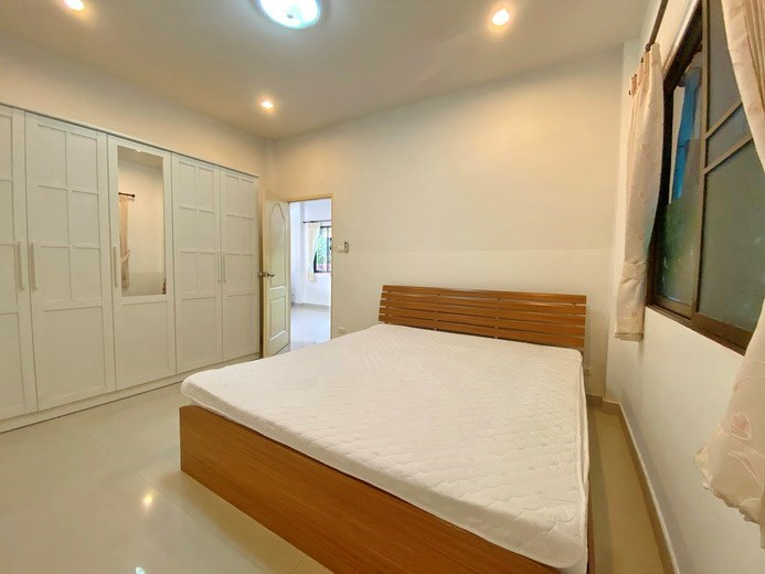 House for rent South Pattaya showing the second bedroom with furniture