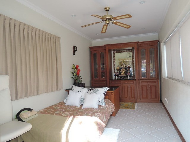 House for rent at View Talay Villas Jomtien showing the office