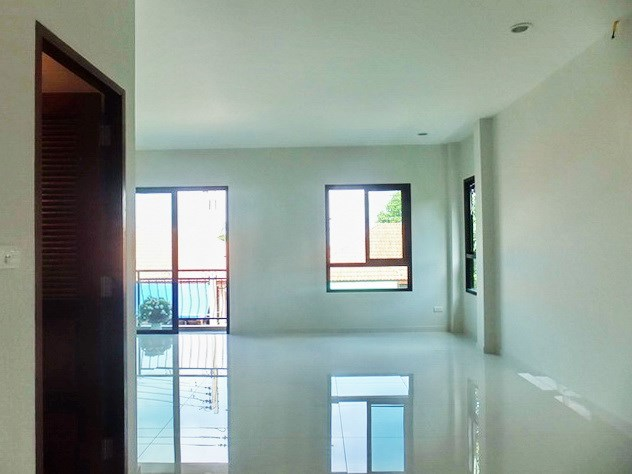 House for sale East Pattaya showing the third bedroom suite