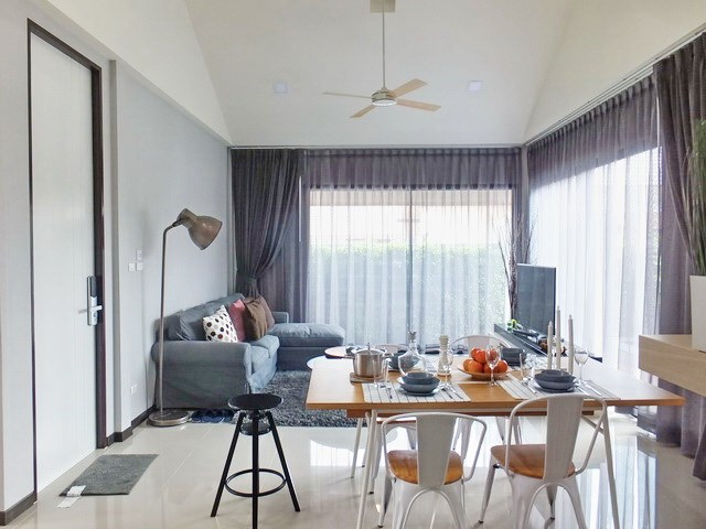 House for sale Huayyai Pattaya showing the dining and living areas concept