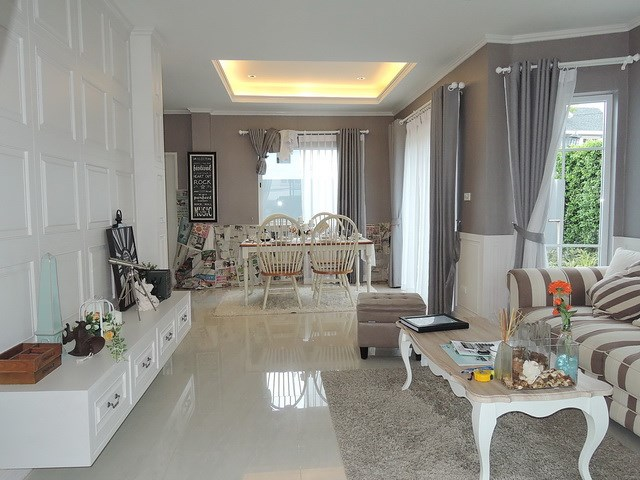 House for sale Pattaya Winston Village showing the open plan concept