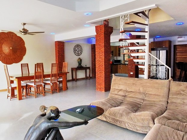 House for sale South Pattaya showing the open plan concept