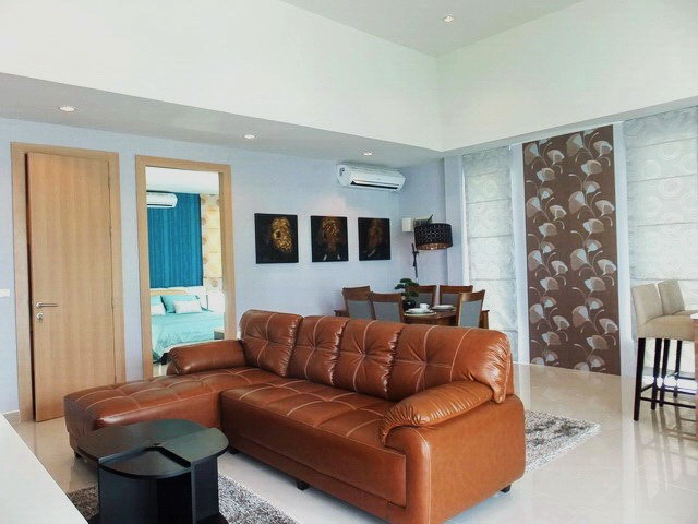 House for Sale Silverlake Pattaya showing the dining and living areas