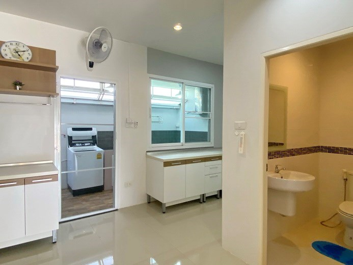 House for sale East Pattaya showing the kitchen and guest bathroom