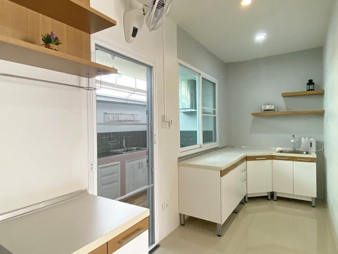 House for sale East Pattaya showing the kitche areas