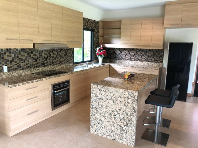 House for sale Huay Yai Pattaya showing the large kitchen