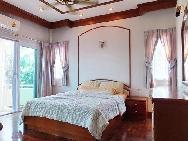 House for Sale Mabprachan Pattaya showing the second bedroom