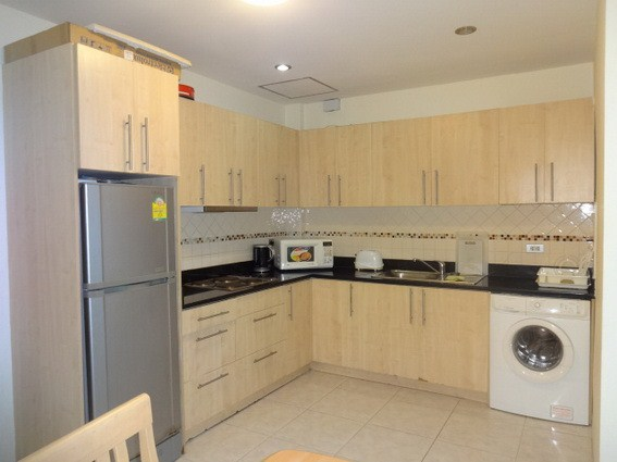 House for rent Pratumnak Pattaya showing the kitchen