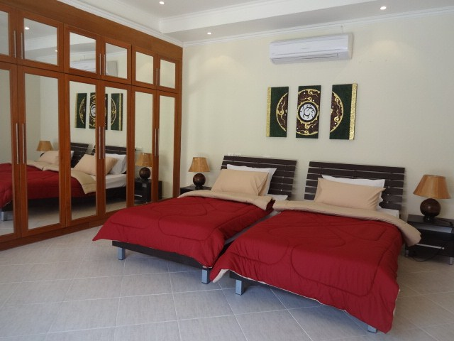 House for rent Pratumnak Pattaya showing the third bedroom